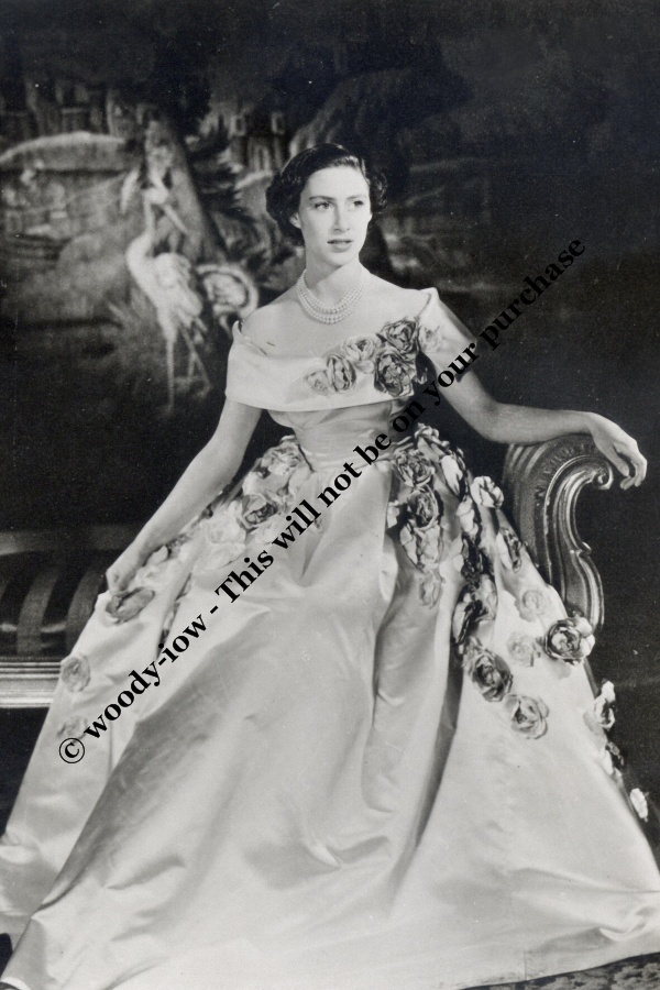 Mm724 Young Princess Margaret Wears Gown Royalty Photo Ebay