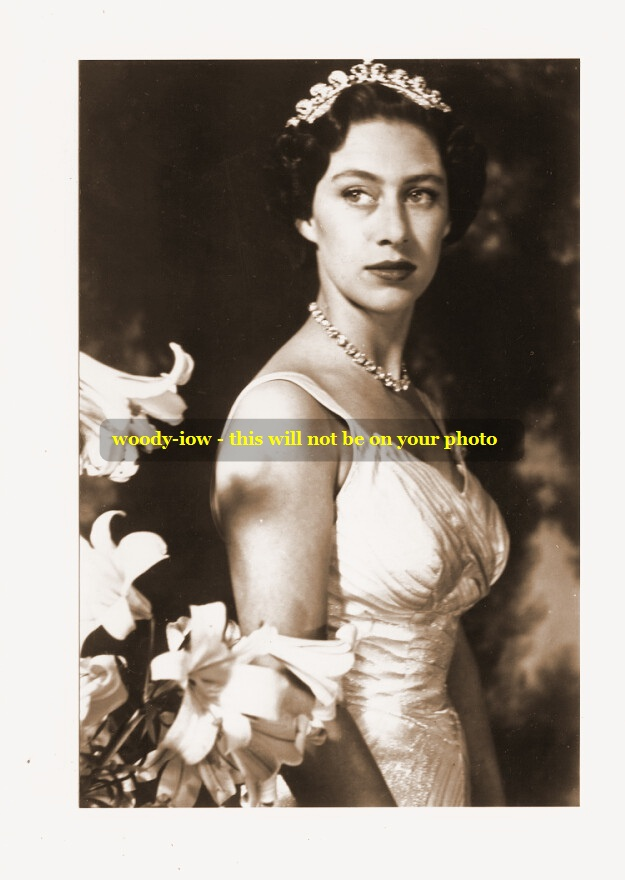 Mm83 Young Princess Margaret In Gown Diamonds Lilies